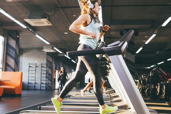 Tập cardio khi bụng đói có thực sự giúp bạn giảm cân nhanh hơn?