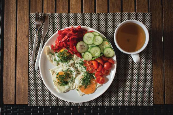 Protein trong bữa ăn sáng giúp bạn giảm cân?