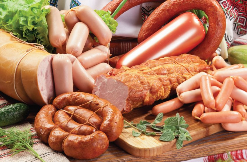 Tại sao thịt chế biến sẵn không tốt cho sức khỏe của bạn