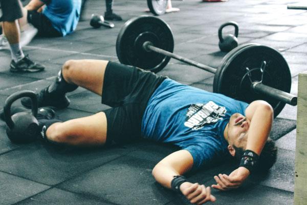Buồn ngủ sau khi tập luyện thể thao là dấu hiệu của điều gì?