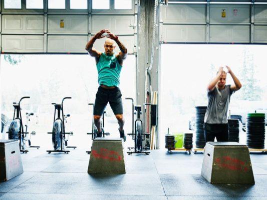 Khi kết hợp bài tập Plyometric với các bài Squat giúp cho sức mạnh cơ bắp cải thiện mạnh mẽ